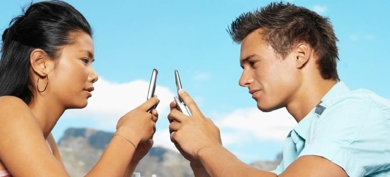 Rules For Flirtexting: Don't Get Burned Before Reading